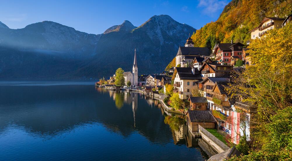 Hallstatt mountain village with Hallstatter See in the Austrian Alps