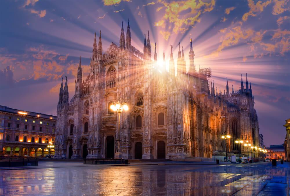 Milan Cathedral - (Duomo di Milano (Milan Cathedral)