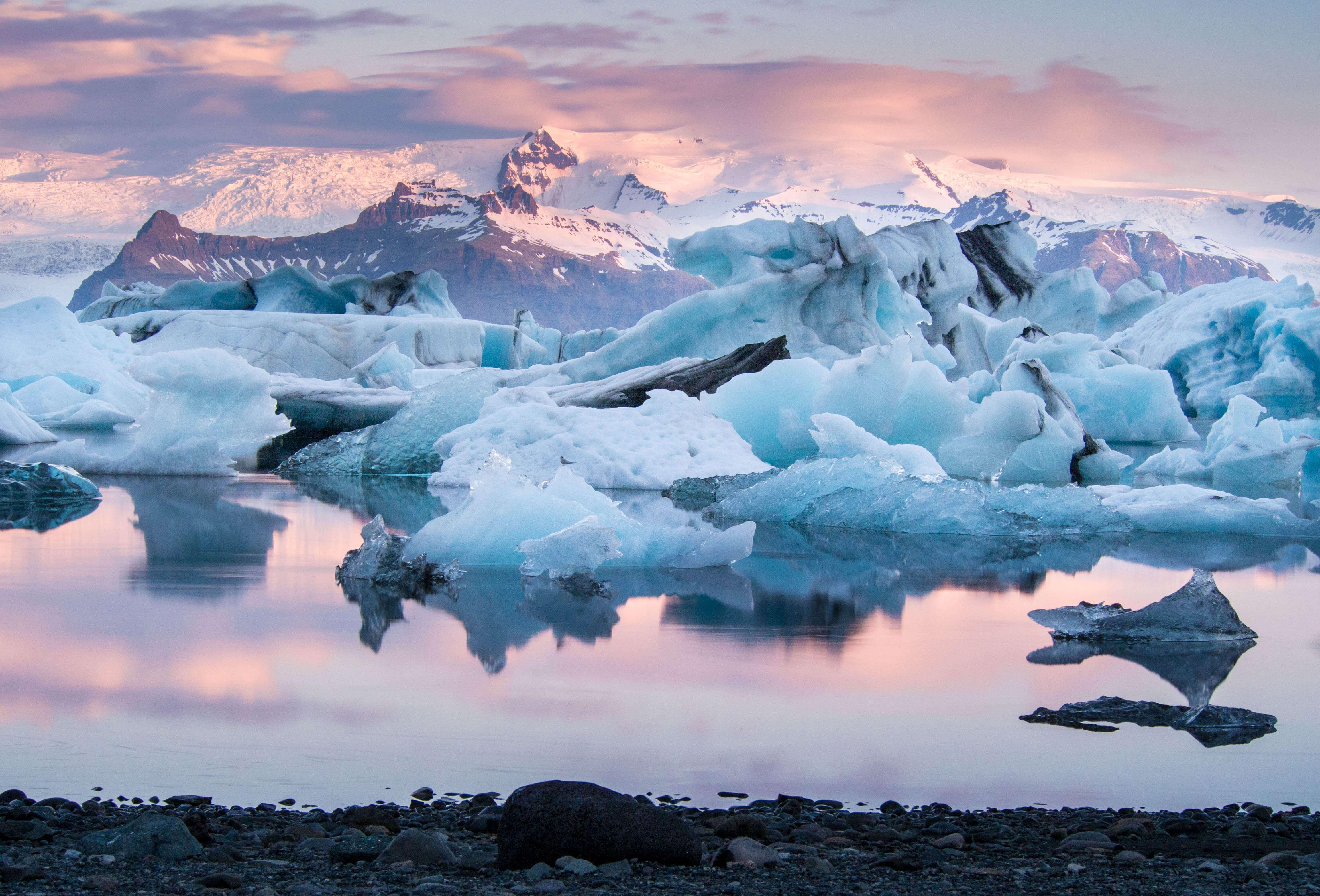 เที่ยวไอซ์แลนด์ ราคาถูก 2560 ทัวร์ไอซ์แลนด์ขอเสนอ ธารน้ำแข็ง โบริเวณทะเลสาบโจคูซาลอน